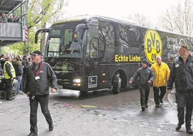Borussia Dortmund otobüsü yakınında patlama!
