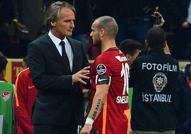 Riekerink'in ev kirasını Sneijder ödemiş!