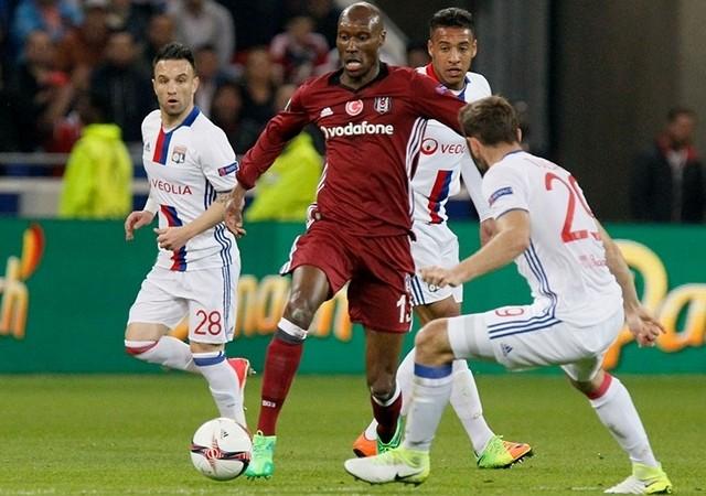 Beşiktaşlı futbolculardan maç sonu açıklamaları! Atiba, Fabri'ye sahip çıktı!