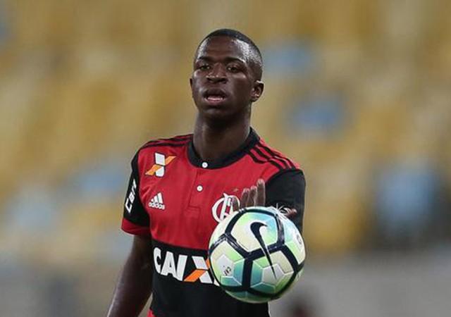Real Madrid 50 milyon Euro'ya Vinicius Junior transfer etti!