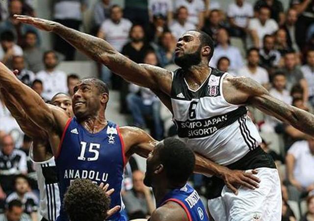 Beşiktaş, Anadolu Efes'e fark attı! Avantajı kaptı...