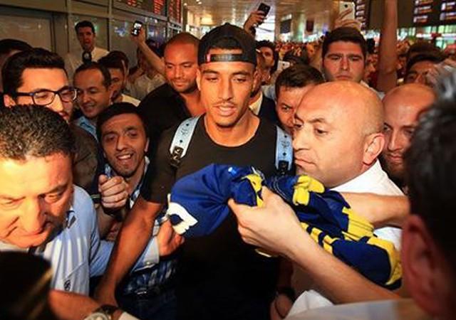 Fenerbahçe Dirar transferini resmen açıkladı