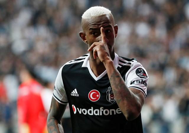 'Talisca M.United ile anlaştı' Beşiktaşlıları üzen haber!