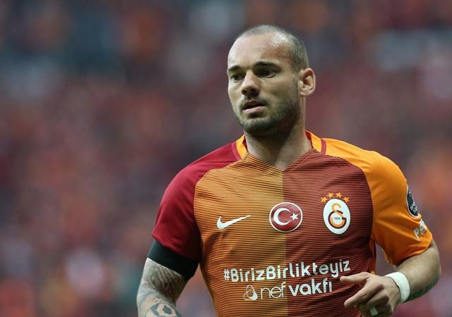 Galatasaray'da Sneijder depremi!