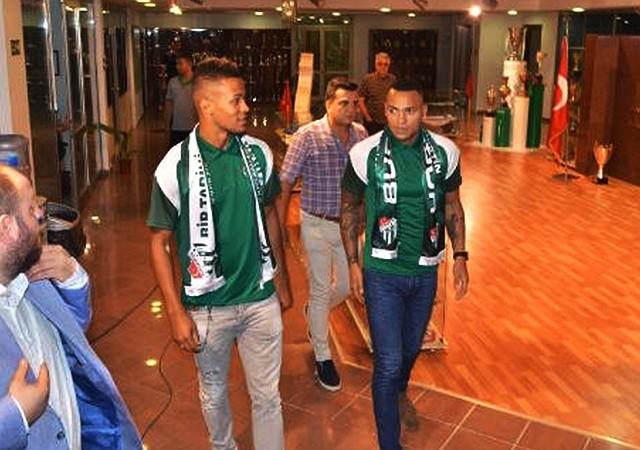 Bursaspor, Titi ve Ekong ile 3'er yıllık sözleşme imzaladı