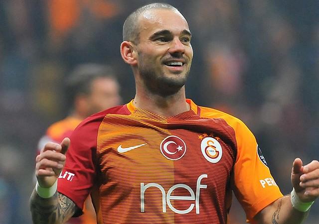 Sneijder'den Galatasaray taraftarını heyecanlandıran açıklama!