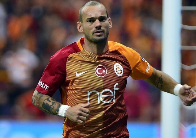 Sneijder'in paylaşımı akılları karıştırdı!