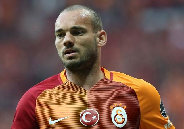 Galatasaray'dan ayrılan Sneijder için menajerinden flaş iddia!