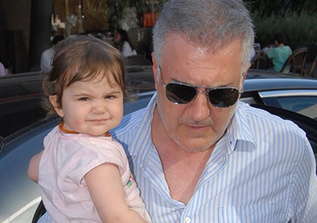 Tamer Karadağlı'nın aile saadeti