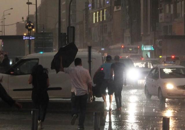 Meteorolojiden İstanbul uyarısı! Yağış için saat verildi...
