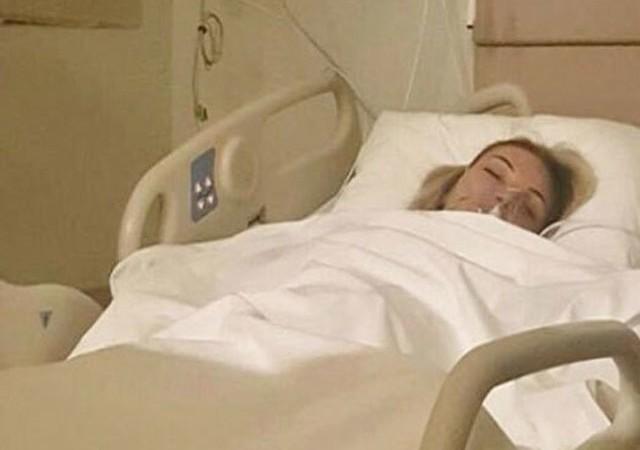 Ünlü şarkıcı apar topar ameliyata alındı