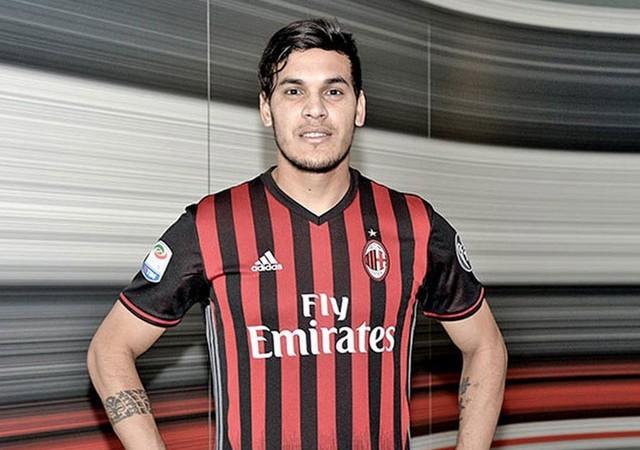 Kjaer'in yerine o geliyor! Milan'ın yıldız ismi...