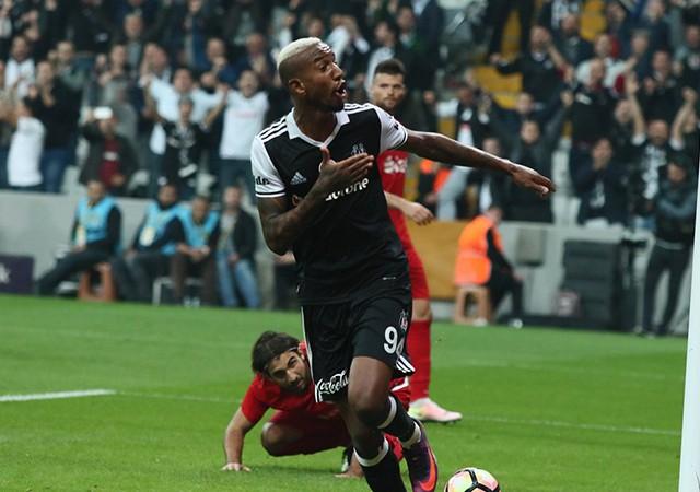 Talisca Süper Kupa maçında yok! Benfica evrakları göndermeyince...