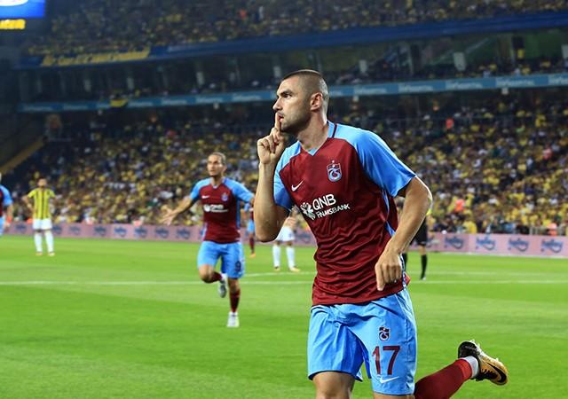 Trabzonspor'da Burak Yılmaz şoku! Oyuna devam edemedi...