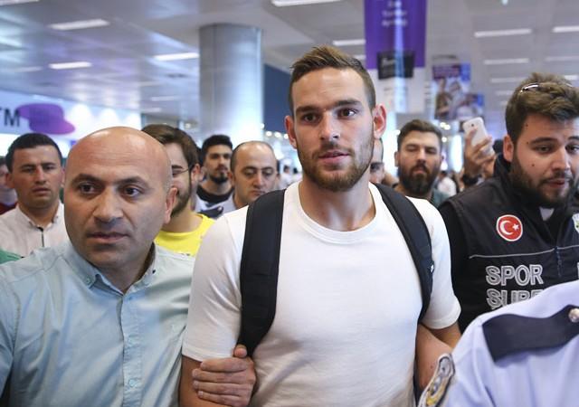 Fenerbahçe'nin yeni forveti İstanbul'a geldi!