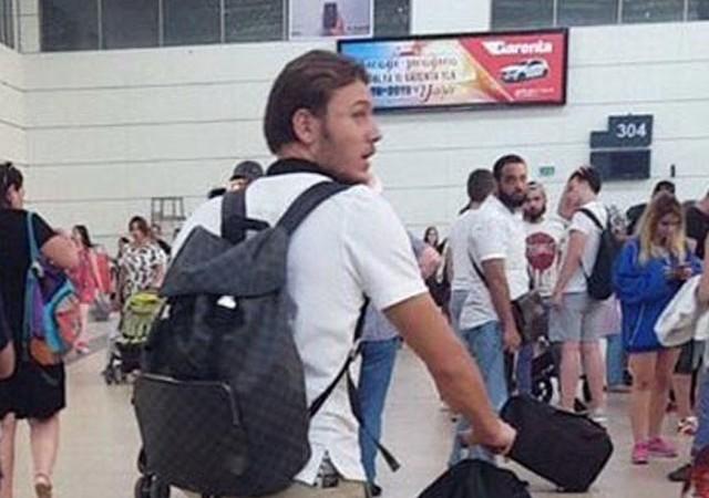 Yıldız futbolcu havalimanında görüntülendi! Transferi bitti...