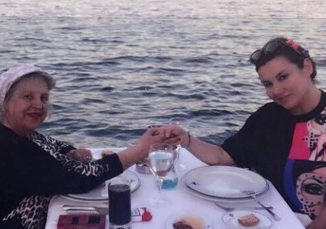 Deniz Seki annesi için dua istedi