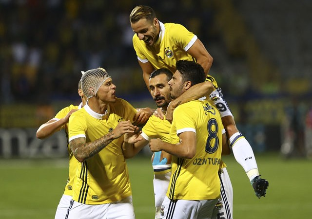 Fenerbahçe'ye Skrtel'den sonra bir kötü haber daha!