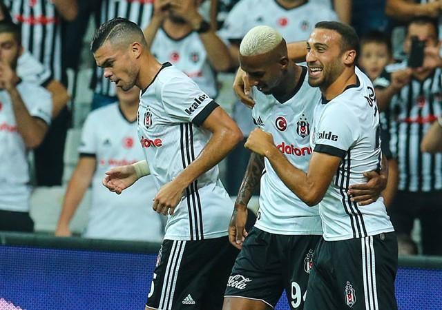 Beşiktaş rahat kazandı! Kartal seriyi sürdürüyor...