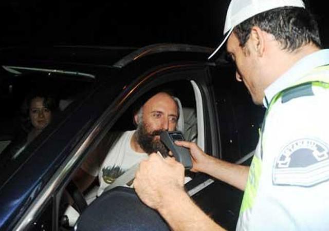 Halit Ergenç trafik kontrolüne takıldı