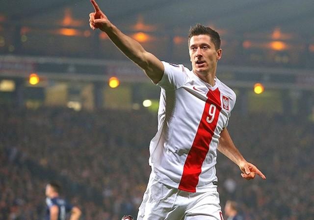 Lewandowski tarihe geçti!