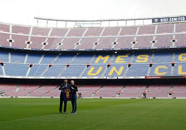 Barcelona'dan tarihi karar!