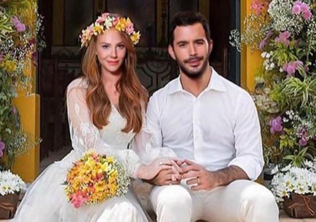 Elçin Sangu ve Barış Arduç'u evlendirdiler