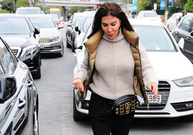 Ebru Yaşar üzerinde servet taşıyor