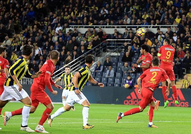 Fenerbahçe 90+5'te yıkıldı! Kadıköy'de son saniye şoku...