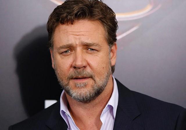Russell Crowe, TV8'in tweetini retweetledi! Tüm dünyaya duyurdu