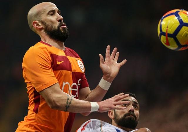 Derbi öncesi Galatasaray'a kötü haber! 4 futbolcu...