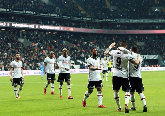 Beşiktaş'ta şok sakatlık! Antrenmanı yarıda bıraktı