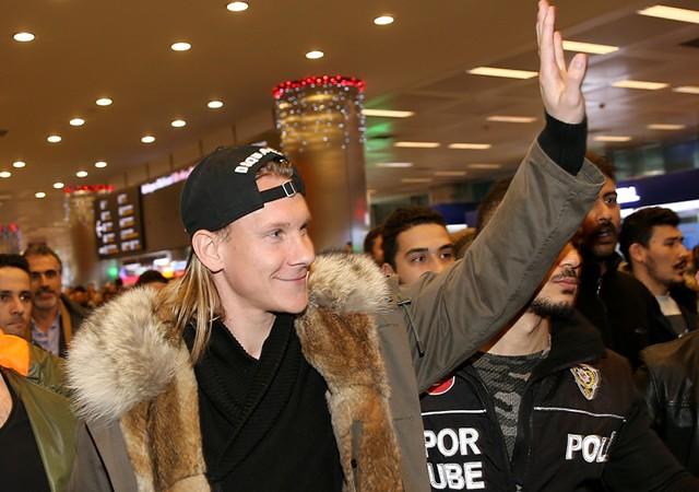 Beşiktaş, Domagoj Vida ile 4,5 yıllık sözleşme imzaladı
