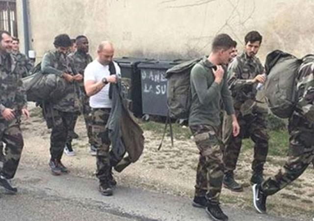 Fenerbahçeli futbolcu asker oldu!