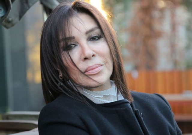 Nebahat Çehre'nin annesi hayatını kaybetti