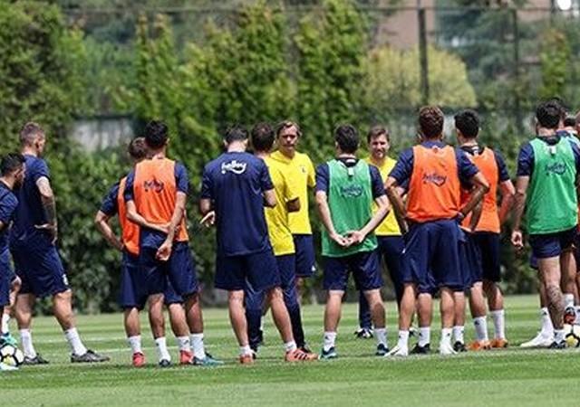 Fenerbahçe yeni sezona Cocu ile başladı...