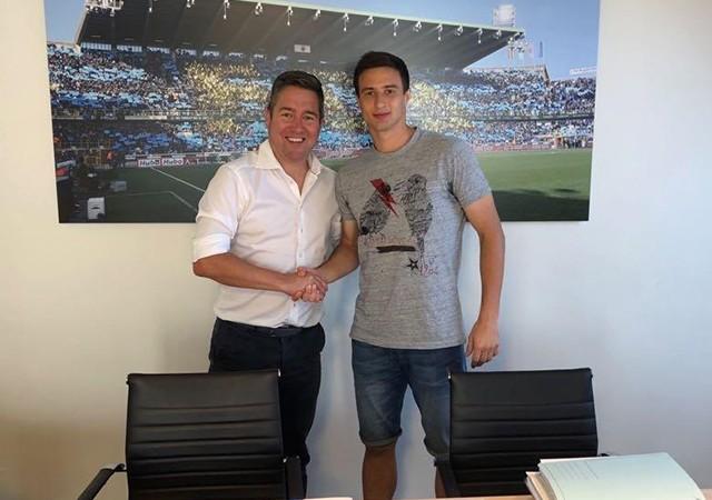 Club Brugge Mitrovic'i resmen açıkladı!