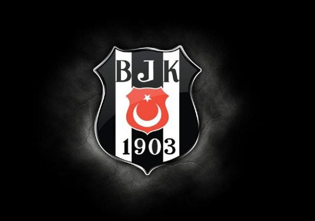Beşiktaş'tan transfer açıklaması geldi! Yıldız isim ayrılıyor…