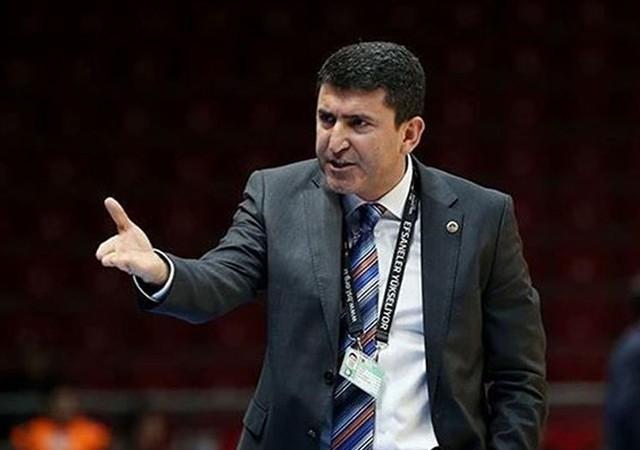 Fenerbahçe'nin eski hocası Galatasaray'la anlaştı!