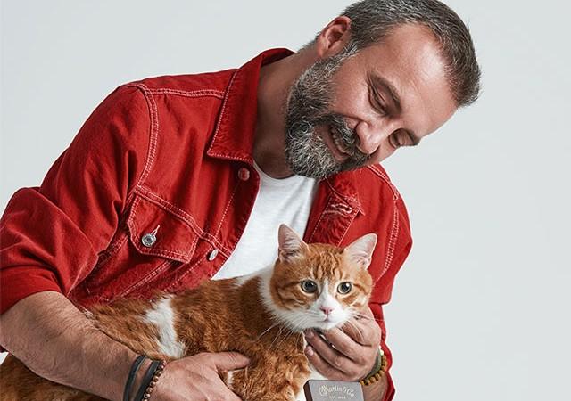 'Ah Bir Kedi Olsam' şarkısıyla barınaktaki canlara umut oldu