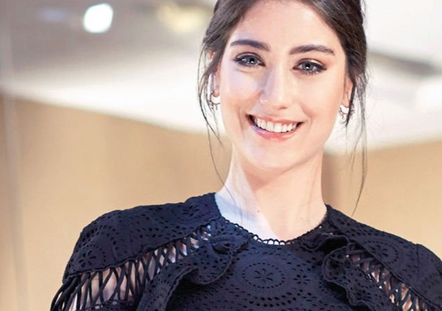 Hazal Hollywood yolunda!