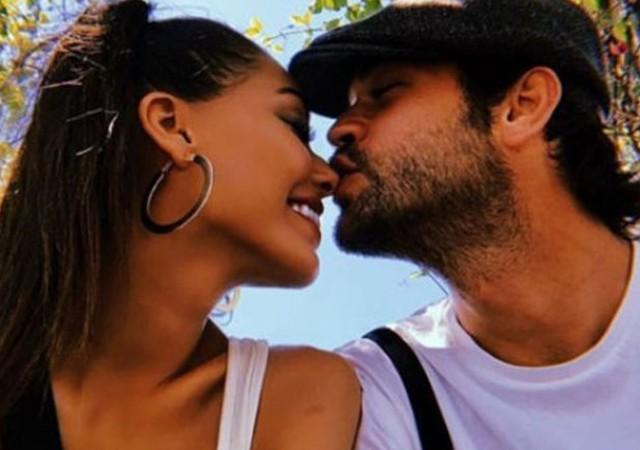 Ünlü çiftin paylaşımı sosyal medyada olay oldu!