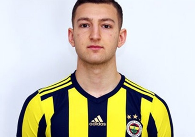 Fenerbahçeli Andreas Kilit futbolu bıraktı