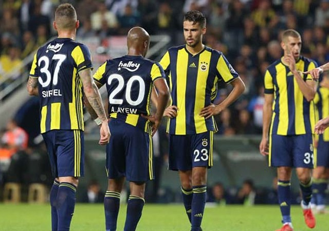 Fenerbahçe'ye Kadıköy'de bir darbe daha!