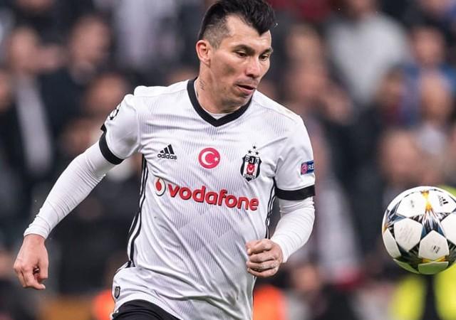 Beşiktaşlı Gary Medel: 'Bu iş daha bitmedi!'
