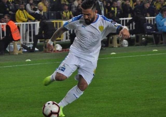 Fenerbahçe galibiyeti sonrası yaptığı paylaşım tepki çekti!