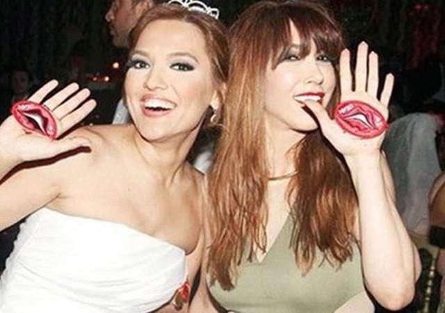 Hande Yener ve Demet Akalın barıştı!