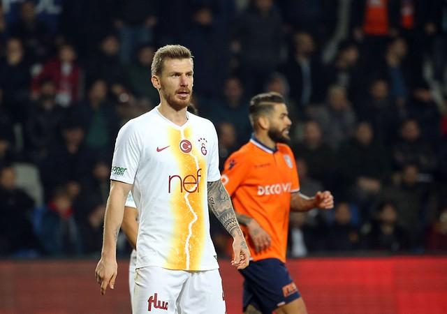 Serdar Aziz Fenerbahçe'ye gidecek mi?