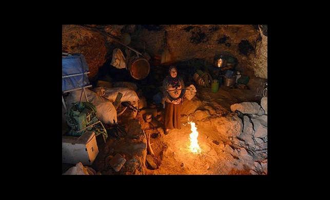 300 yıldır mağarada yaşıyorlar