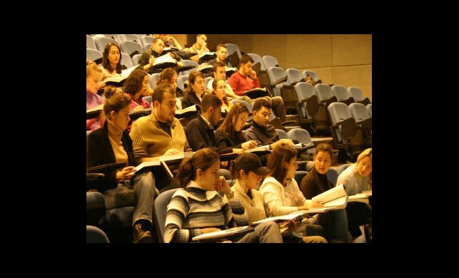 Son Sınıf Öğrencilerine Tekrar Burs